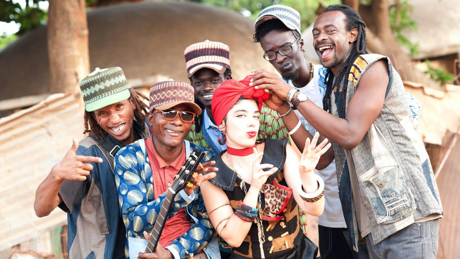 L'avventura di Corinna Fiora, cantante e copywriter a Dakar